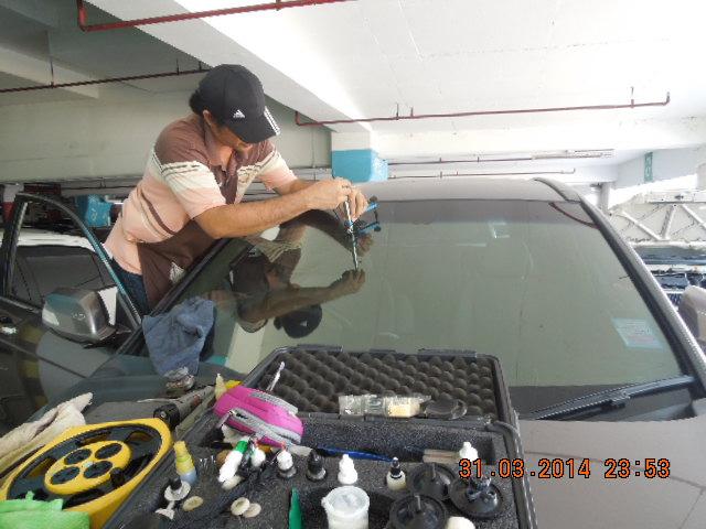 ซ่อมกระจกหน้ารถแตกร้าว